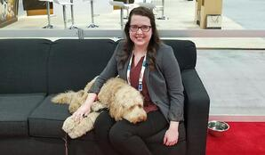 Grief therapy dog at the 2018 NFDA convention