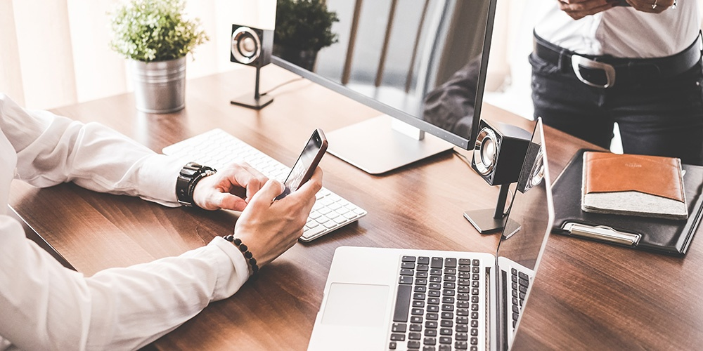 Creating an Exceptional Online Customer Service Experience in a Funeral Home